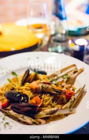 Close up d'un délicieux pâtes aux fruits de mer Banque D'Images