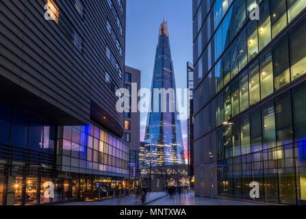 Le Shard et gratte-ciel de bureaux modernes, Southwark, London, England, UK Banque D'Images