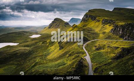 - Le paysage des Highlands écossais Quiraing, Isle of Skye - Ecosse, Royaume-Uni