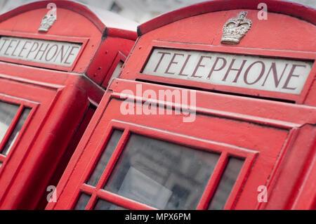 Boîtes de téléphone rouge à Londres, Angleterre, RU Banque D'Images