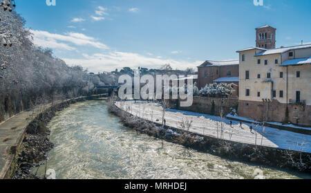 La neige à Rome en février 2018, l'île Tibérine dans la matinée, l'Italie.