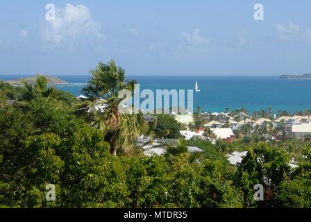 Petit yacht à voile bay, St Martin, Caraïbes Banque D'Images