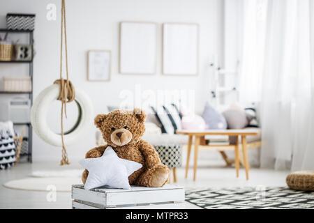Mignon ours en peluche jeux scandinaves blanc avec swing