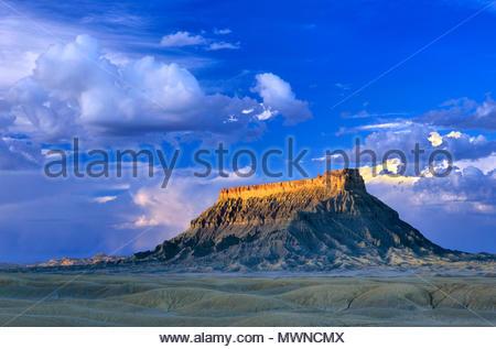 Factory Butte, terres BLM, Wayne County, Utah Banque D'Images
