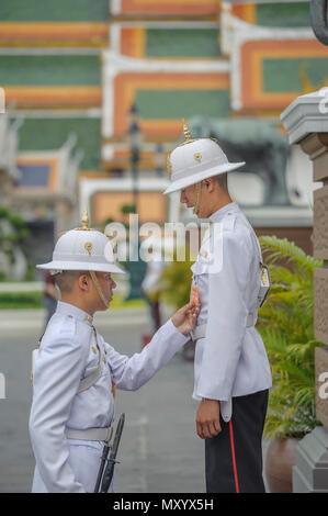 Des gardes au Palais Royal, Bangkok, Thaïlande Banque D'Images