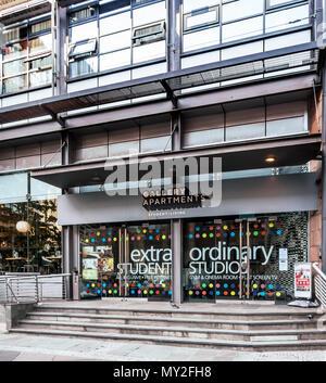 Galerie de l'extérieur des appartements, logements étudiants, Port Dundas Place dans le centre de Glasgow, Écosse, Royaume-Uni