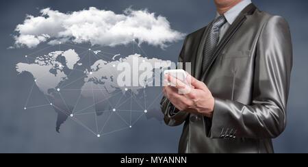 Businessman working on cloud computing concept de sécurité d'entreprise Banque D'Images