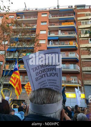 7, Barcelone, Espagne. 11Th nov 2017. protester contre l'emprisonnement des membres du gouvernement catalan, le 11 novembre. crédit: queralt sunyer/stockimonews/Alamy live news