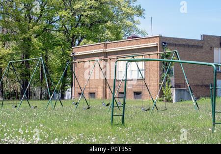 École abandonnée et cour Banque D'Images