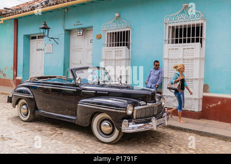 Un millésime 1948 American Mercury huit comme taxi dans le patrimoine mondial de l'Unesco ville de Trinidad, Cuba. Banque D'Images