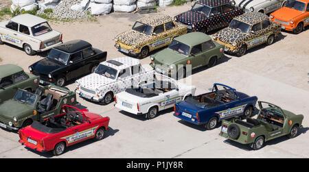 Les voitures Trabant du Safari Trabi stationné à Berlin, Allemagne Banque D'Images