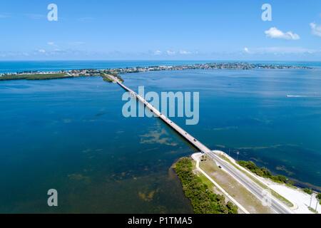 Causeway à Holmes Beach sur Anna Maria Island est une destination touristique populaire en Floride avec des plages sur le golfe du Mexique