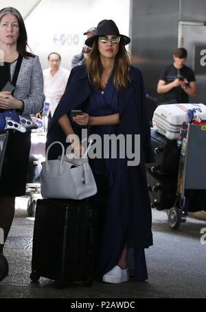 Los Angeles, CA, USA. 14 Juin, 2018. Jessica Alba pour voir à l'aéroport de LAX le 14 juin 2018. Crédit: John Misa/media/Alamy Punch Live News Banque D'Images