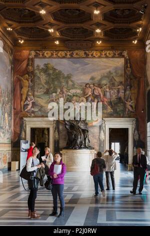 l 39 italie rome les mus es du capitole une peinture murale repr sentant une sc ne de l 39 histoire. Black Bedroom Furniture Sets. Home Design Ideas