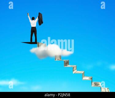Encourager l'homme en haut de l'escalier de l'argent fond ciel Banque D'Images