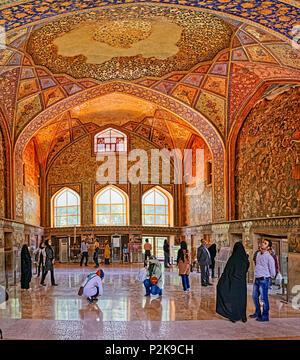 L'intérieur du palais Chehel Sotoun