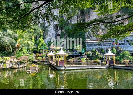 Jardin de l'eau à l'Hindu Temple au Batu Caves près de Gombak à Kuala Lumpur, Malaisie Banque D'Images