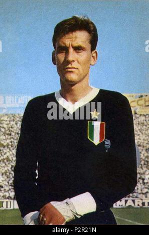 . Italiano: Il portiere di calcio italiano Roberto Anzolin alla Juventus nella stagione 1961-62. vers 1961. Inconnu 76 Roberto Anzolin, Juventus 1961-1962 Banque D'Images