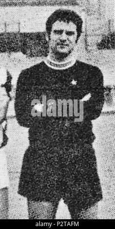 . Italiano: Il portiere di calcio italiano Roberto Tancredi alla Juventus tous'inizio della stagione 1968-69. circa 1968. Photo par inconnu rognée par Danyele 45 Juventus FC 1968-1969 - Roberto Tancredi Banque D'Images