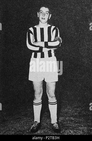 . Italiano: Il calciatore italiano Roberto Bettega nel settore giovanile (all'epoca noto se N.A.G.C. Nucleo - Addestramento Giovani Calciatori) della Juventus nel 1964. vers 1964. Inconnu 76 Roberto Bettega - 1964 - Juventus FC Banque D'Images