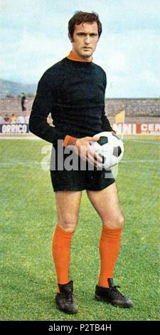 . Italiano: Il portiere di calcio italiano Alberto Ginulfi alla Roma tous'inizio della stagione 1970-71. vers 1970. Inconnu 4 Alberto Ginulfi - AS Roma 1970-1971 Banque D'Images