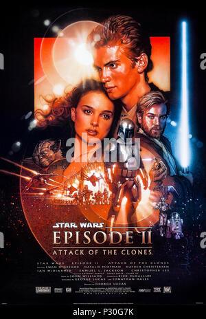 Star Wars: Episode II - l'Attaque des Clones (2002) réalisé par George Lucas avec Hayden Christensen, Natalie Portman et Ewan McGregor. Anakin Skywalker et Padmé tomber en amour alors que le Jedi Découvrez l'un des leurs a passé commande d'une armée clone secret. Banque D'Images