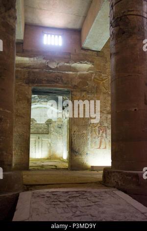 Intérieur du Temple de pharaon Seti I, Abydos, Egypte. Banque D'Images