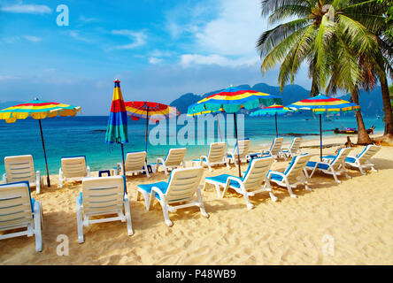 Tropical beach, Phi-Phi, la mer d'Andaman, Thaïlande Banque D'Images
