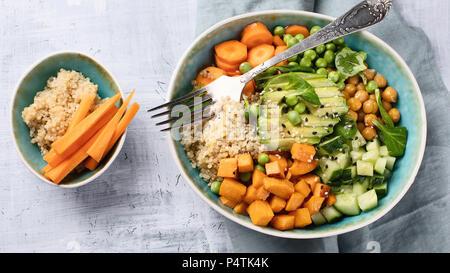 Bol déjeuner végétalien. Concept de saine alimentation Banque D'Images