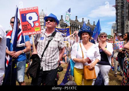 Vote du peuple London UK - 23 juin 2018 - Les manifestants se rassemblent dans la place du Parlement pour exiger un deuxième vote sur l'accord final Brexit