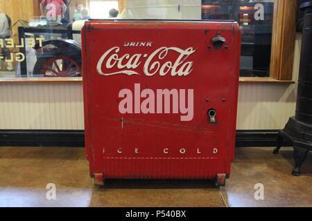 Coca cola un refroidisseur à Glenview Park District travaille ferme Wagner dans la banlieue de Chicago, Illinois.