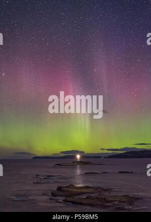 Aurora Australis au pot de fer Lighthouse Banque D'Images