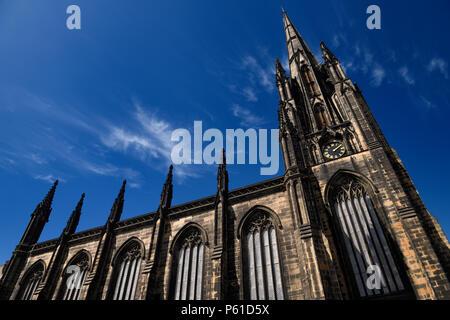 Ancienne église de l'Ecosse Highland à péage, l'église Saint John's maintenant appelé le moyeu sur le Royal Mile Edinburgh, un espace de performance et le lieu Banque D'Images