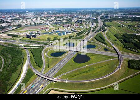 Oudenrijn Intersection, Utrecht, reliant l'A2 et A12 autoroutes, Holland Banque D'Images