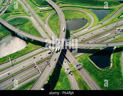 Près de Rotterdam Ridderkerk. Connexion de Rotterdam par l'A15 et de l'A16 avec l'Allemagne et la Belgique. Banque D'Images
