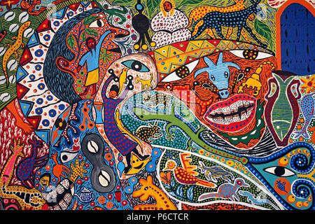 Style colorés de la peinture abstraite par des artistes populaires d'Essaouira, Maroc Banque D'Images