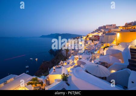 Oia, Santorin (thira), îles Cyclades, Grèce Banque D'Images