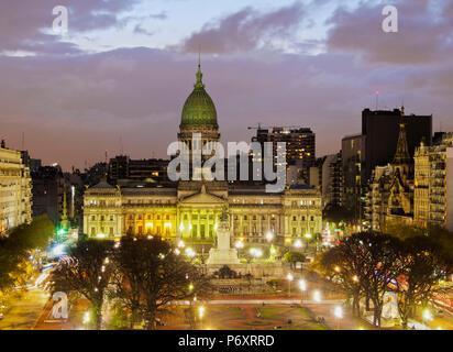 Argentine, Province de Buenos Aires, Ville de Buenos Aires, la Plaza del Congreso, augmentation de la vue sur le Palais des Congrès national argentin. Banque D'Images