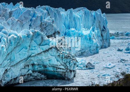 L'Amérique du Sud, Argentine, Patagonie, Santa Cruz, El Calafate, le Parc National Los Glaciares, le Perito Moreno Glacier Banque D'Images