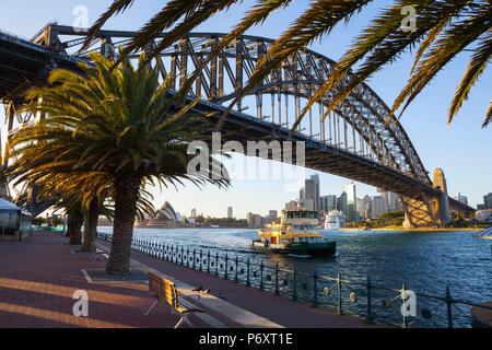 Le Harbour Bridge, Darling Harbour, Sydney, New South Wales, Australia Banque D'Images