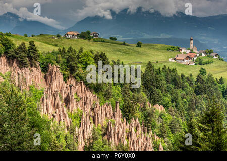 Pyramides de la terre, Renon - Ritten, Trentin-Haut-Adige - Tyrol du Sud, Italie Banque D'Images