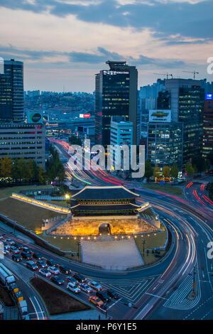 Porte Sungnyemun Gate (Porte Namdaemun), Séoul, Corée du Sud Banque D'Images