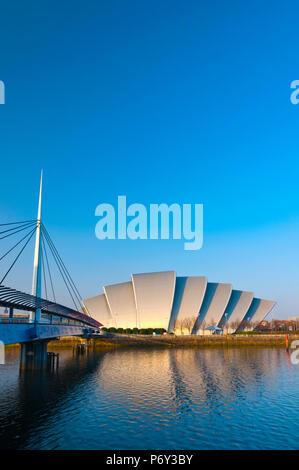Royaume-uni, Ecosse, Glasgow, Scottish Exhibition and Conference Centre SECC, ou le tatou, au bord de la rivière Clyde Banque D'Images