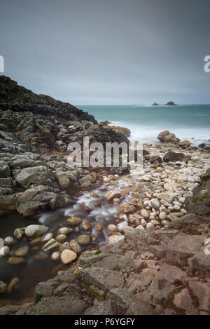 Plage de porth, rocky cornish nanven, west Cornwall, UK. Banque D'Images