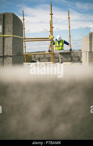 Contrôle du niveau d'ingénieur à faire sur le mur
