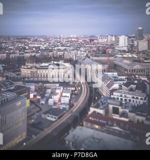 Vue sur le système de métro de Berlin et de l'île des musées, Berlin, Allemagne Banque D'Images