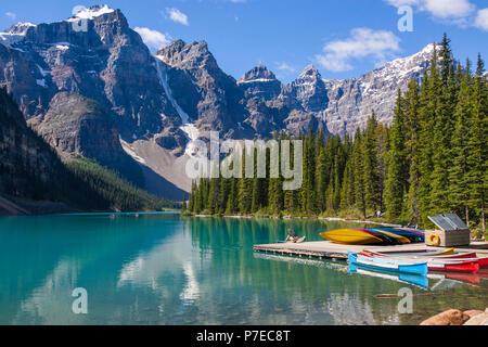 Lac Moraine, parc national Banff, Alberta, Canada. Le lac Moraine est un lac alimenté par des glaces dans le parc national Banff. Banque D'Images