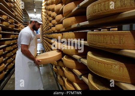 La Suisse, Canton de Fribourg, Gruyères, La Maison du Gruyère (Chambre des) fromage gruyère, fromage gruyère en cave