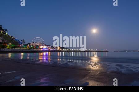 Torquay par Moonlight Banque D'Images