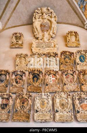 Des blasons de blasons, ancienne cour (Cortile Antico), le Palazzo del Bo, Université de Padoue, Padoue, Vénétie, Italie Banque D'Images